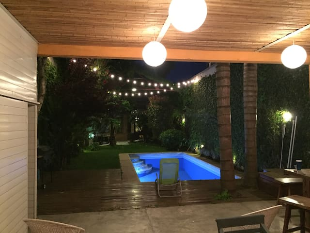 Hermosa casa, jardín, piscina y parrilla-Palermo - Buenos Aires - Hus