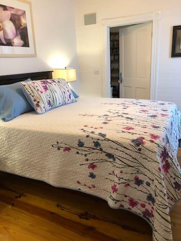 Queen bed with memory foam topper