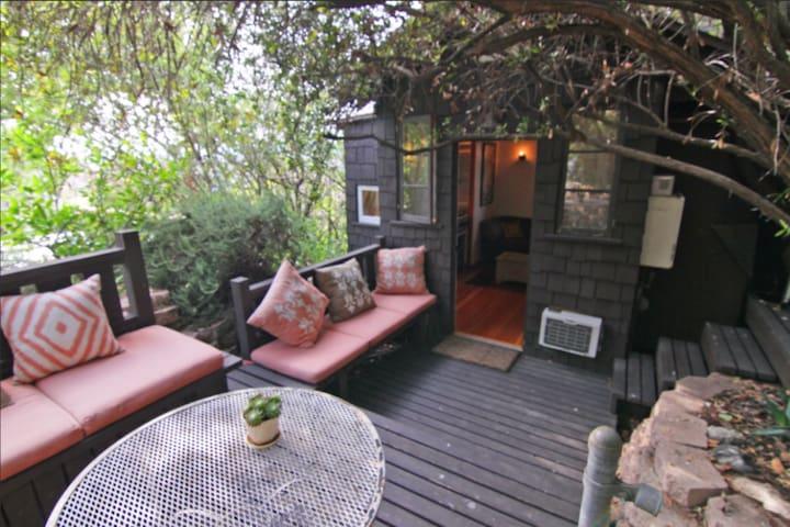 Silver Lake hills private cabin in a lush garden