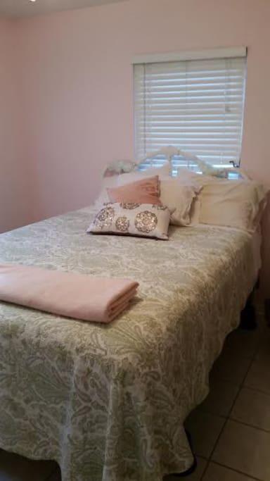 The Guest rm; Queen Bed;full closet, dresser.