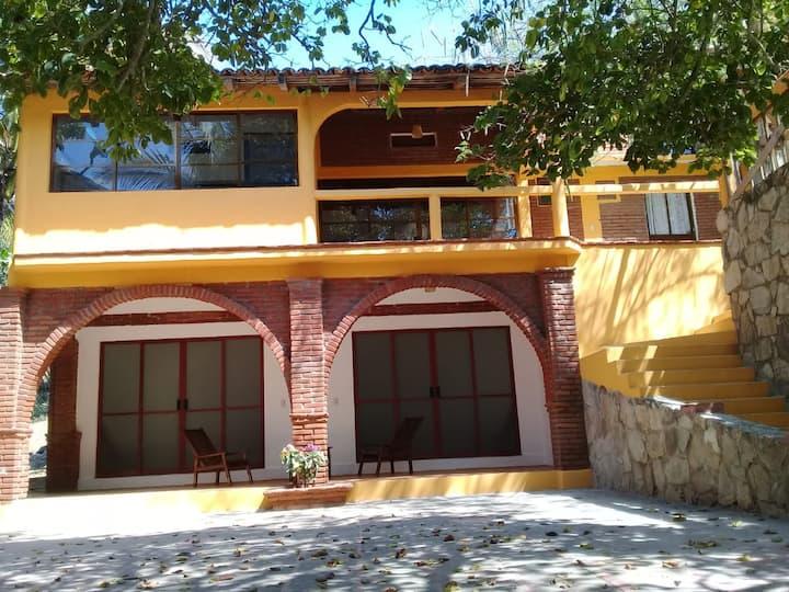 Cabañas Juquilita 1. Tranquility and Comfort