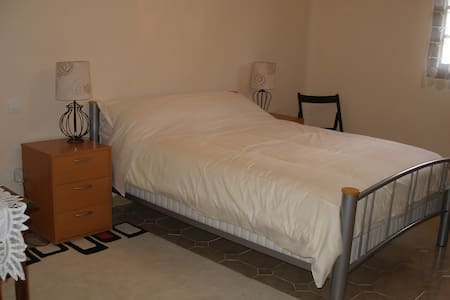 Bikers Krib Double room ensuite - Fumel - Bed & Breakfast