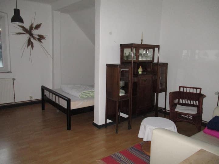 Gästezimmer mit Saaleblick