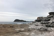 LITTLE SUNSHINE 700m to Umina beach prime location
