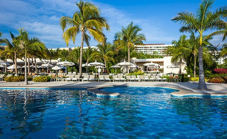 Experience Grand Bliss in Nuevo Vallarta!