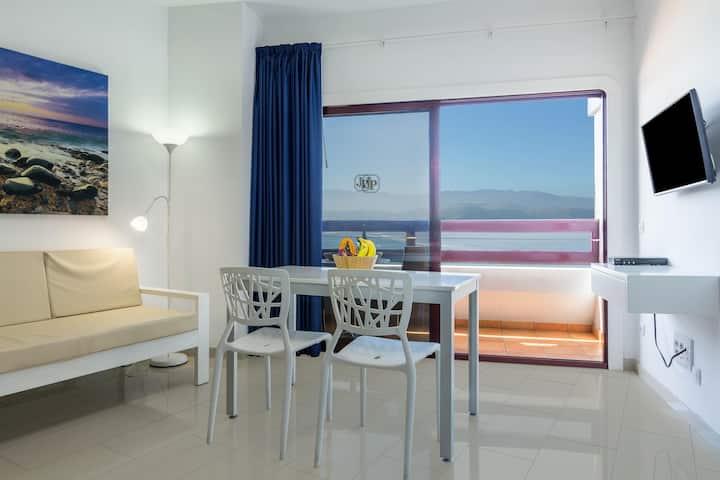 "Holiday Apartment ""Apartamento Estudio 50"" with Sea View, Terrace & WiFi"