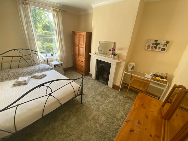 Sweet  double  room at the heart of Brighton