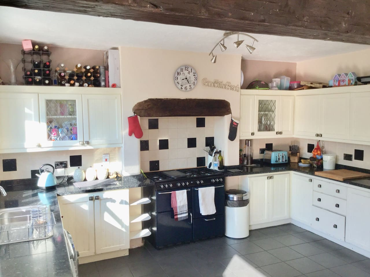 Kitchen Diner - fully equipped, range cooker, washer dryer, dishwasher and cold water dispenser