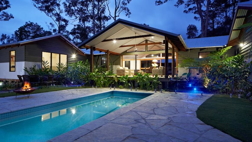 Private resort on 10m to beach - Tallebudgera - บ้าน