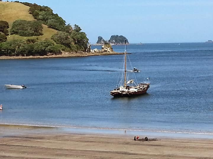 Beachsider Whitianga - Absolute beachfront.