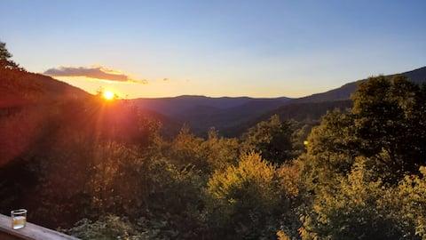 The View at Jerk Ridge - Snowshoe Escape