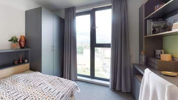 Student Only Property: Friendly Classic Ensuite - 12 months/10%OFF