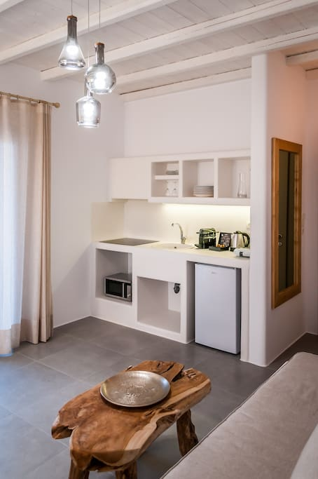 fully equipped kitchen with traditional southern Aegean sea design