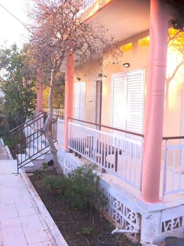 Entire house with garden! - Agia Marina - Casa
