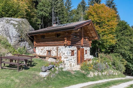 """Country-Style Holiday Home """"Baita Pizabornè"""" (CIPAT number: 022244-AT-050337) in Fantastic Scenery with Mountain View, Fireplace & Garden; Parking Available, Pets Allowed"""