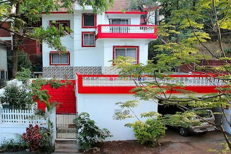 Homely Stay for a peaceful getaway - Panchgani - 小平房