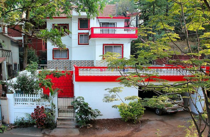 Homely Stay for a peaceful getaway
