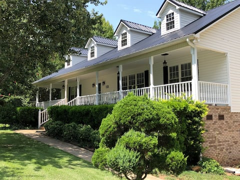 Denver Lake Norman private 960 sq ft apartment.