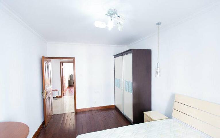 Clean and tidy private room in Nubeena - White Beach - บ้าน