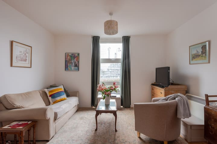 Homely and Warm 1BR Flat by Battersea Park