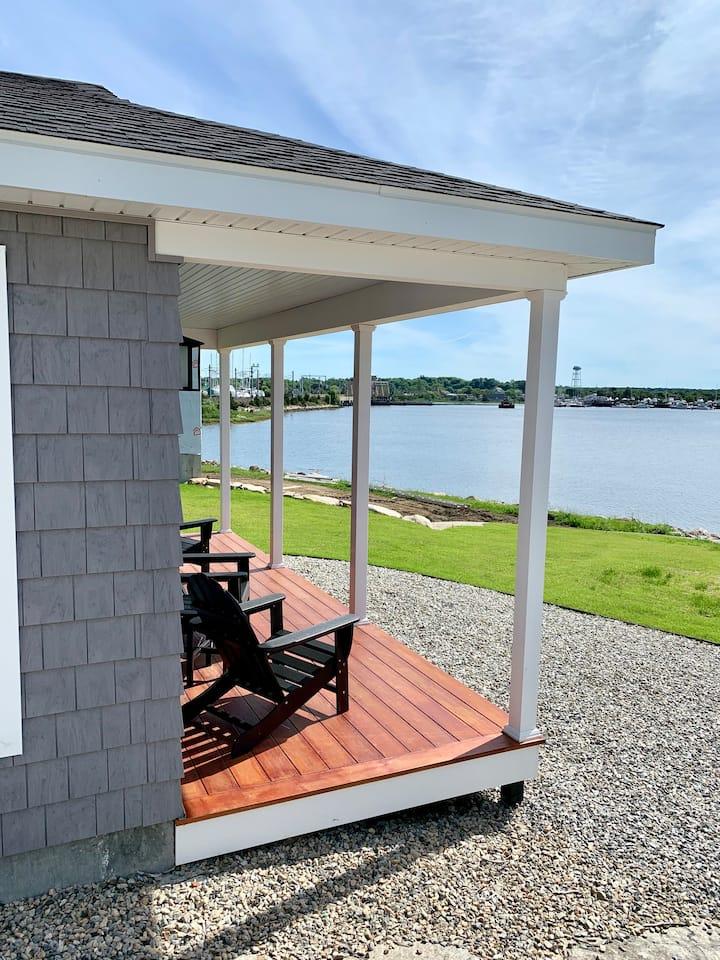 Historic Mystic, CT - Harbor View Landing - Block Island Waterfront Cottage
