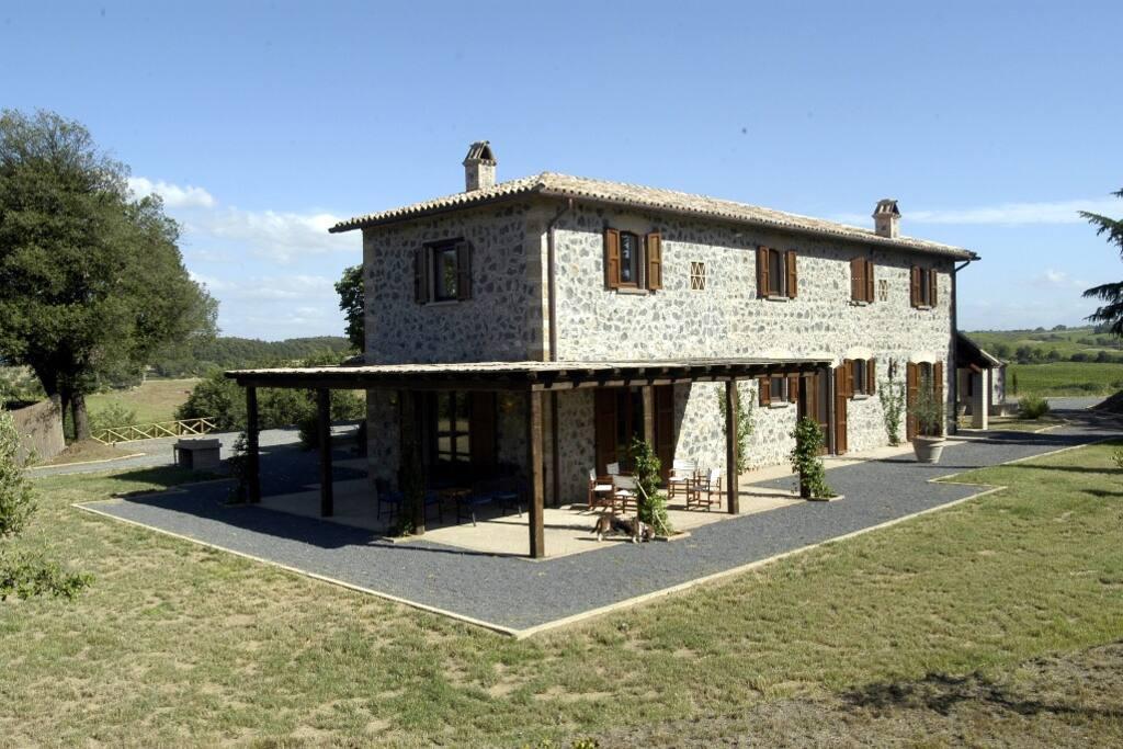 Villa e portico