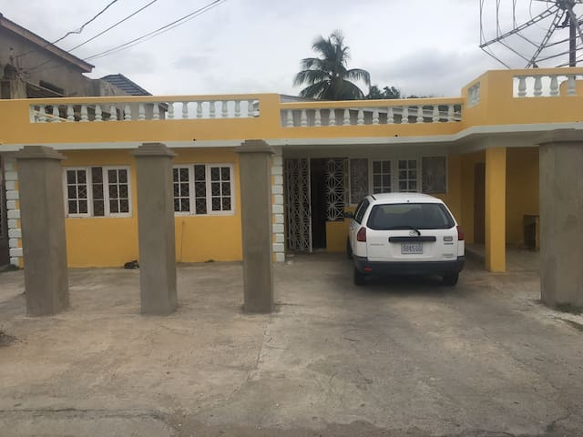Private Home containing 6 studios. - Portmore