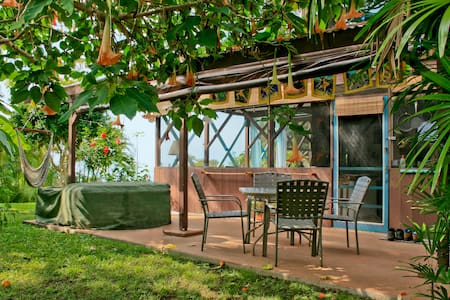Tropical Hideaway w/ Pool, Hot Tub - Captain Cook - Lakás