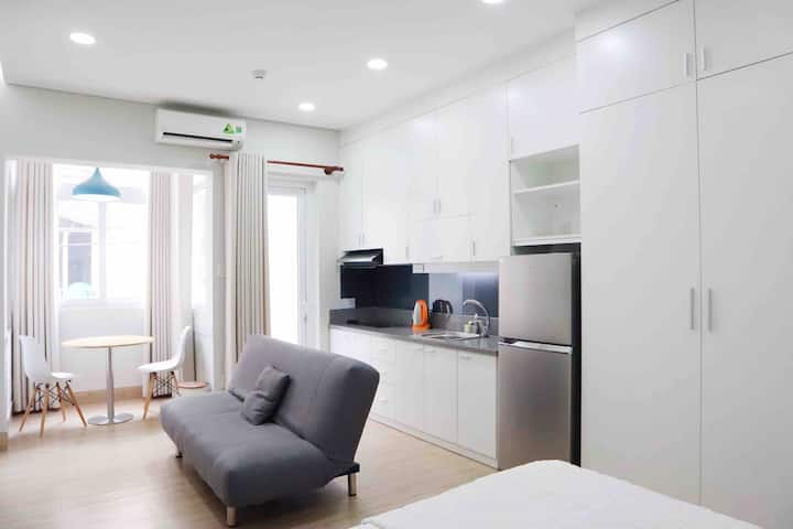 Studio in center HCMC with balcony and window