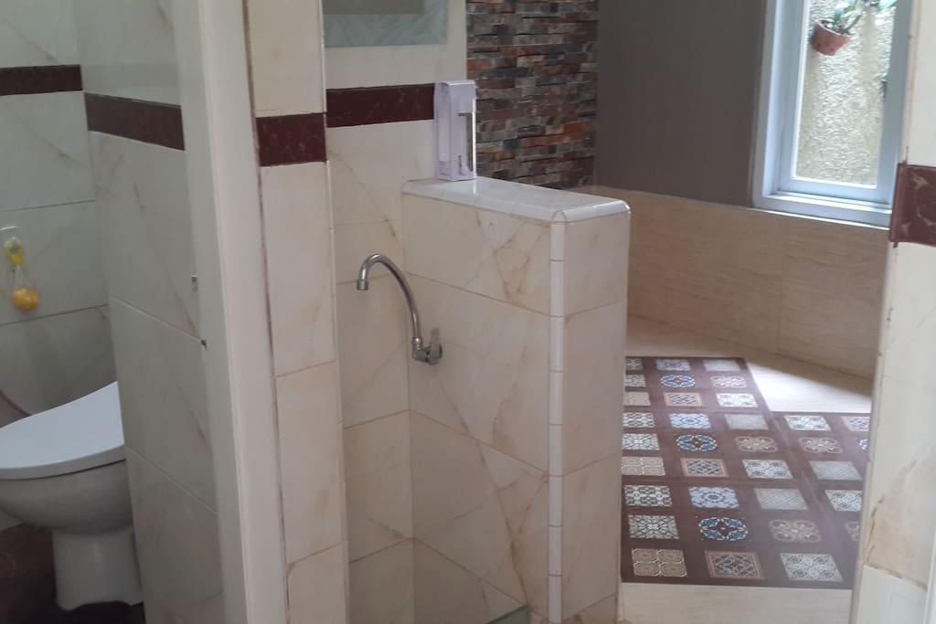 bathroom 2 & prayer room