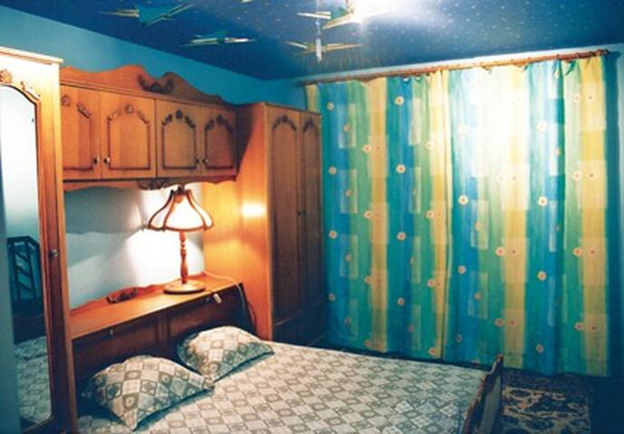 3rd floor bedroom, 1 double bed