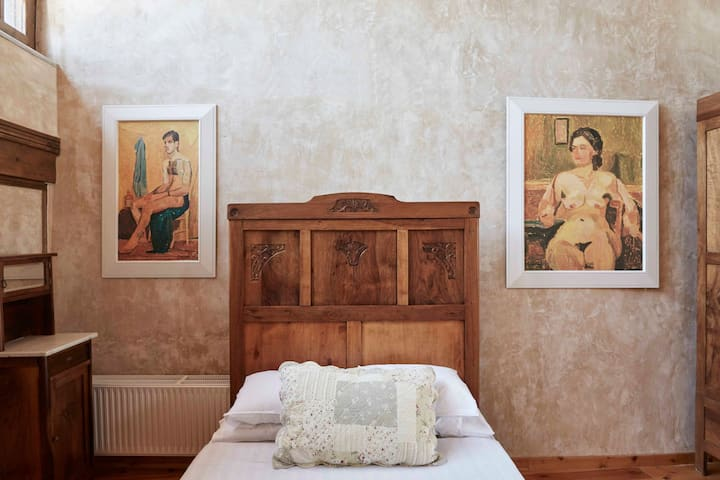 Family traditional suite with private terrace in Rethymno town