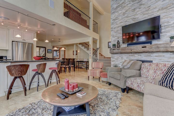 Deer Valley Dreamin'- Mountain Luxury - Ideal for Groups. Amenities & Shuttle