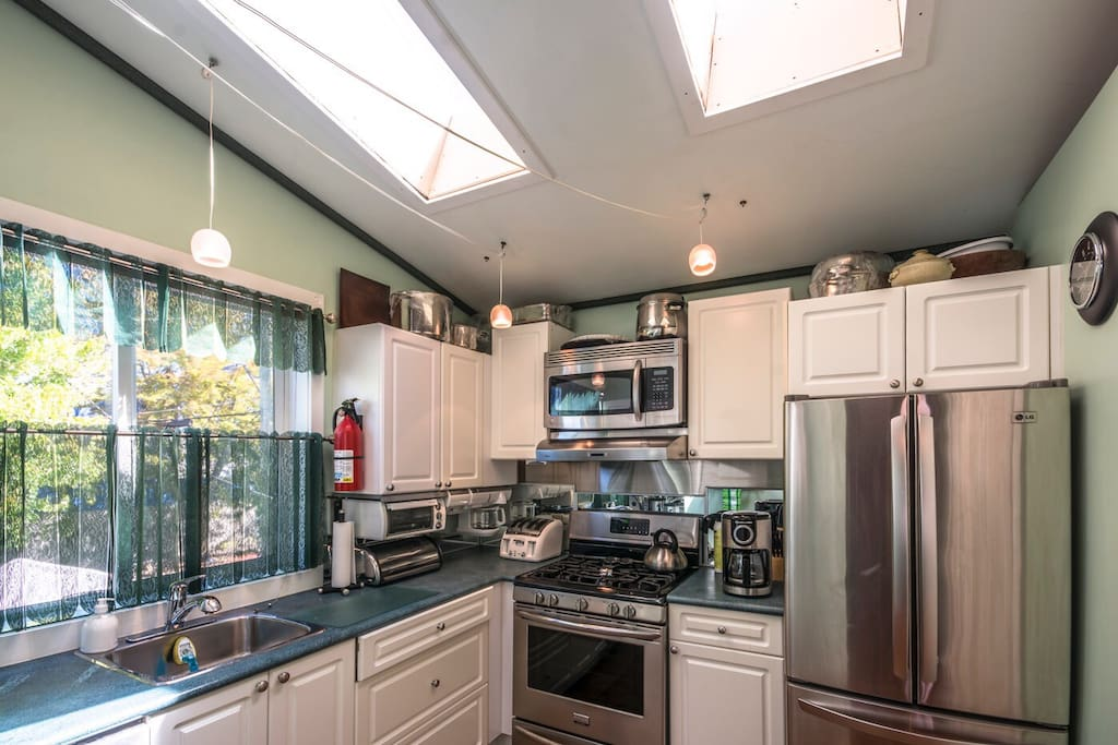 Skylight's over a new fully equipped gas kitchen