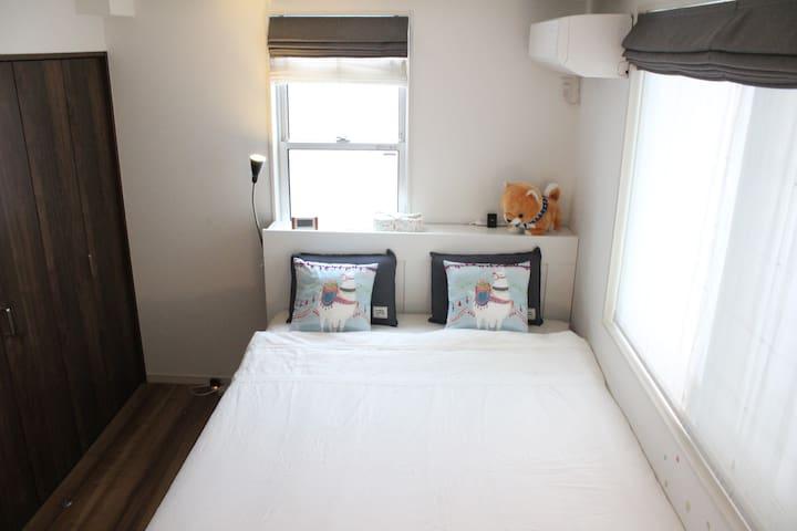 Kero-kero house room 1