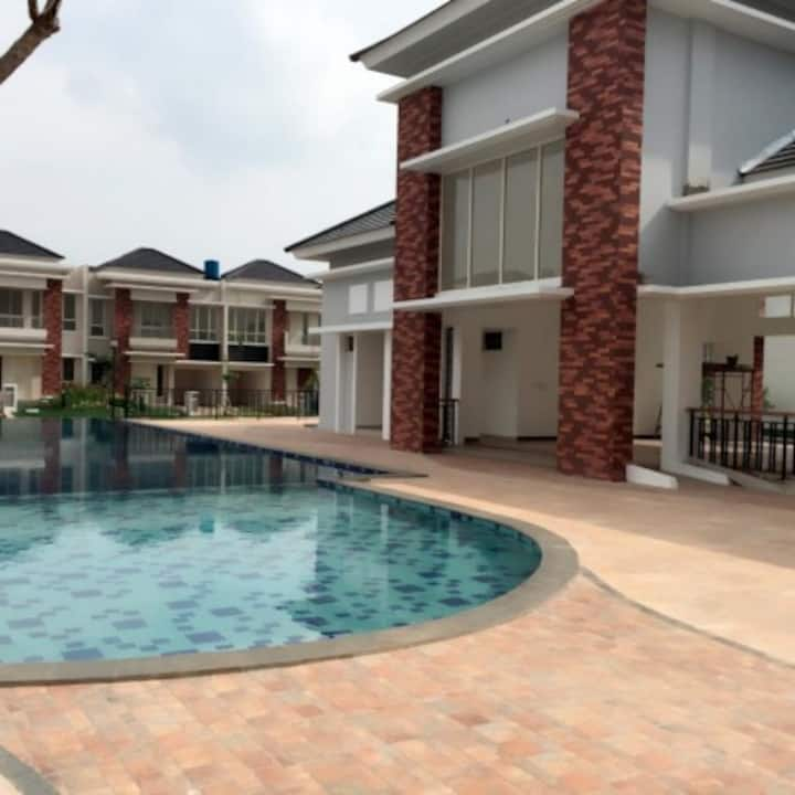 House in Greatest location in Serpong, Tangerang.