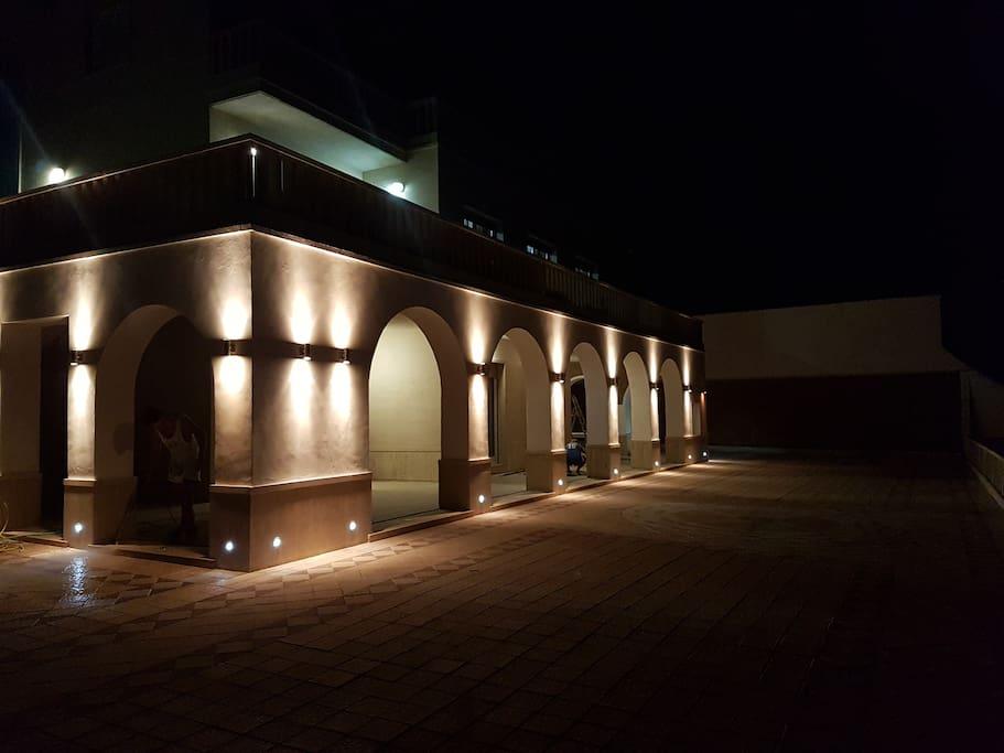 villa di notte