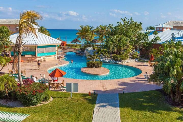 Tropical beach resort in Grand Bahama!