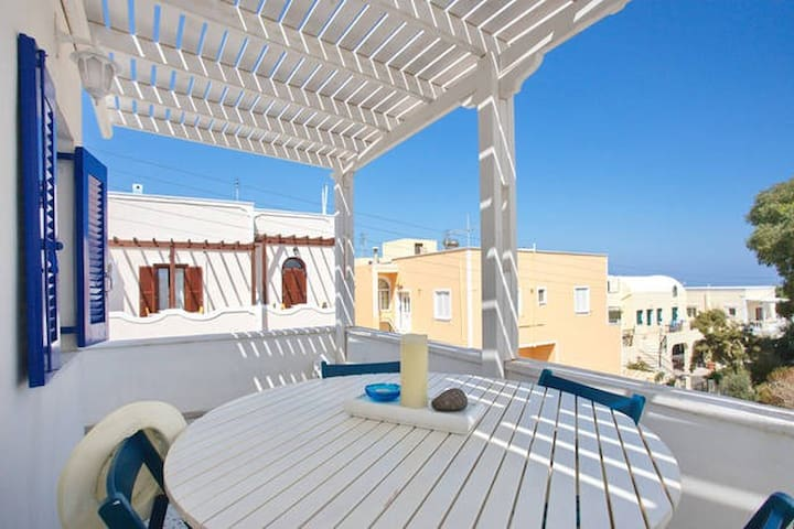 Folia Apartments - upstairs - Santorini - Apartment