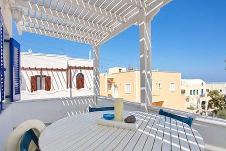 Folia Apartments - upstairs - Santorini - Apartment