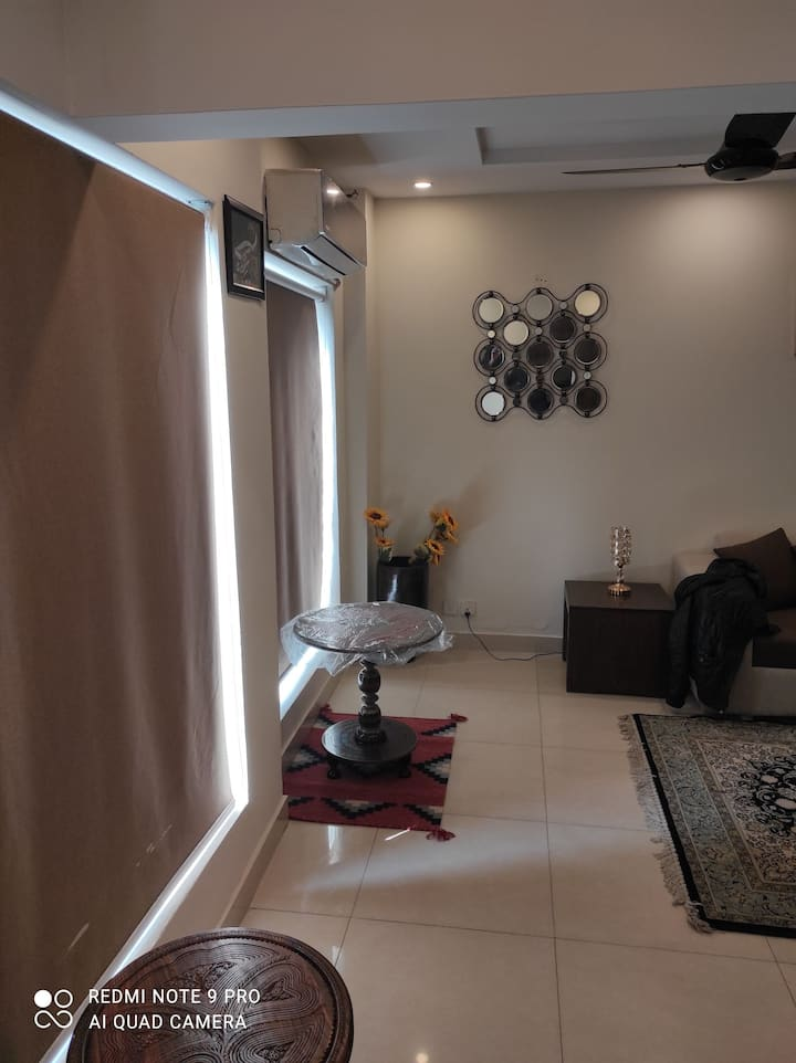 2 BED ROOM FURNISHED FLAT AVAILABLE IN BAHRIA TOWN