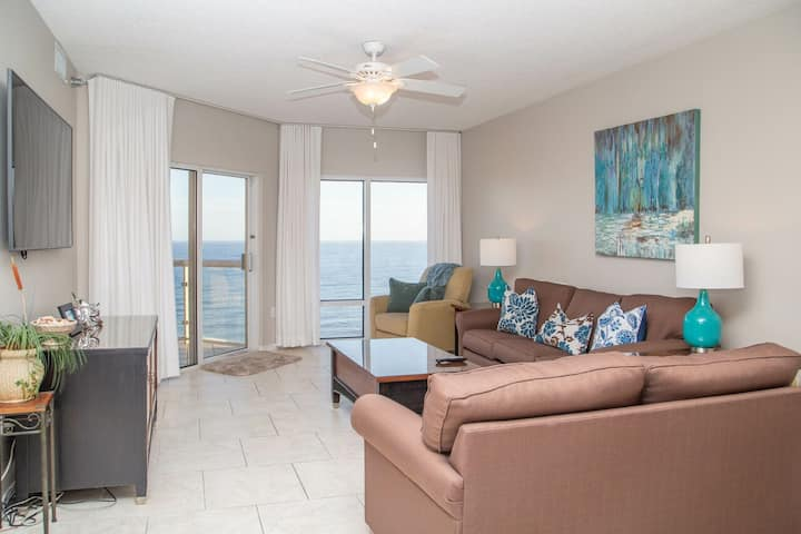 In the heart of Pensacola Beach!!! Emerald Isle 2Br/2ba