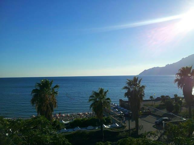 Delizioso appartamento nel cuore di Salerno - Salerno - Leilighet