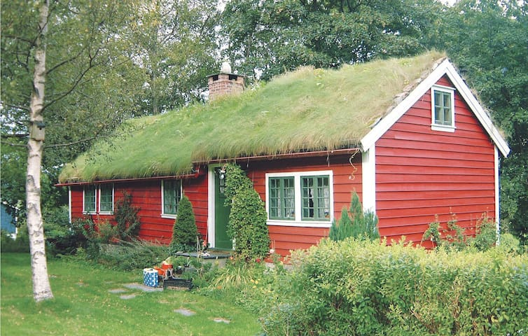 Holiday cottage with 2 bedrooms on 85 m² in Dimmelsvik