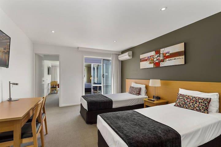 Modern, Clean, Comfy 2 Bedroom Space