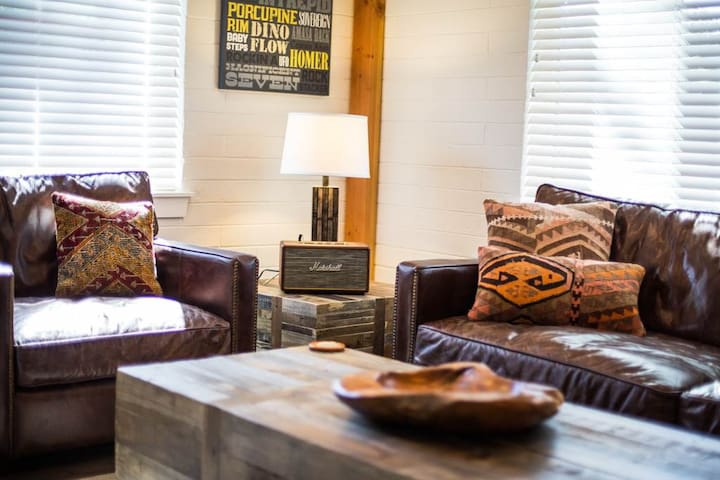 Pristine Outdoor Space, All-Star Downtown Location, Pet Friendly. - Moab Flats #4