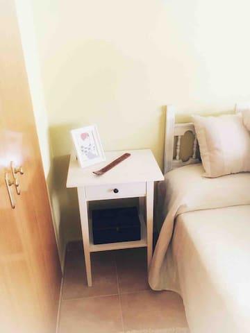 Dormitorio 2 con cama de 135 cm