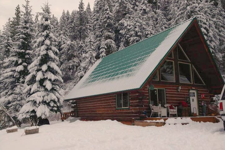 Private Log Cabin in the Mountains of Leavenworth - Leavenworth - Cabin