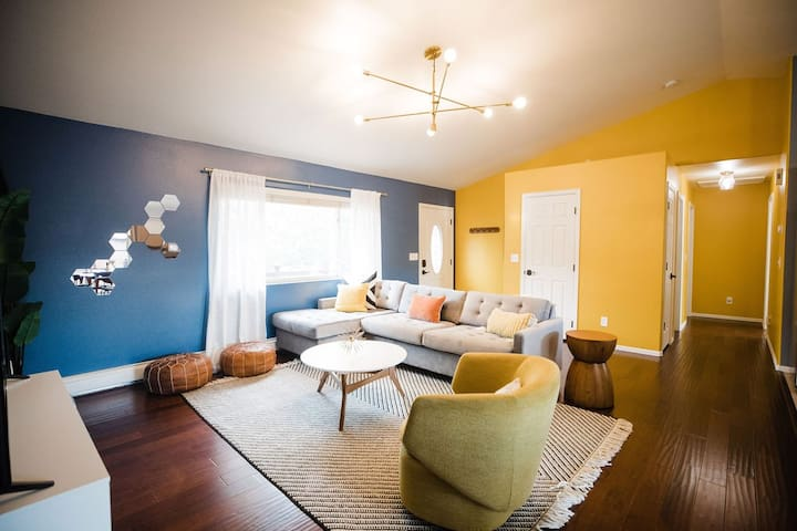 Welcome home to Basecamp BV!  Enjoy ample seating for conversation with family and friends after a day of exploring the town, river, and mountains.