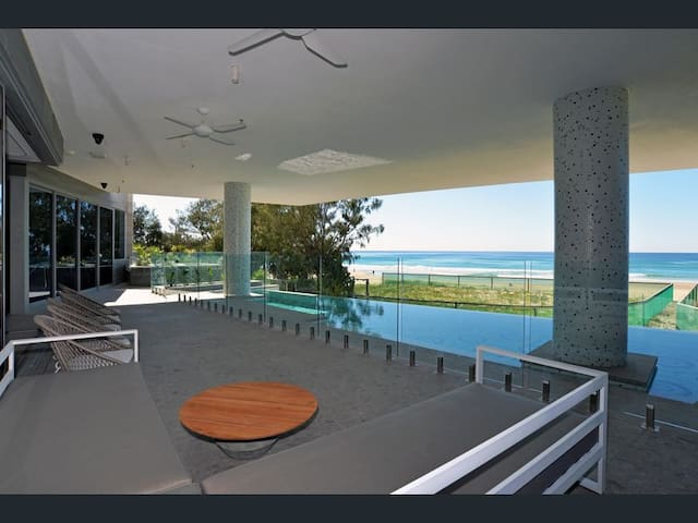 Barefoot Luxury Meets Coastal Cool.No Cleaning fee